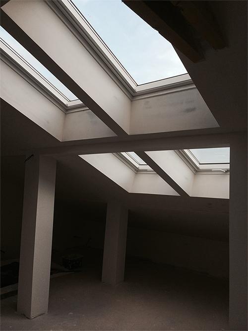 pose de fen tre de toit velux fen tre de toit velux cap habitat. Black Bedroom Furniture Sets. Home Design Ideas